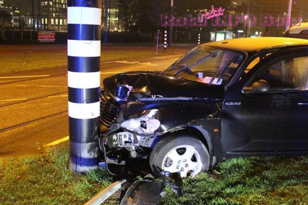 aguero mengalami kecelakaan mobil