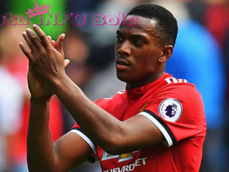martial selamatkan manchester united