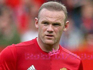 Wayne Rooney Dinobatkan